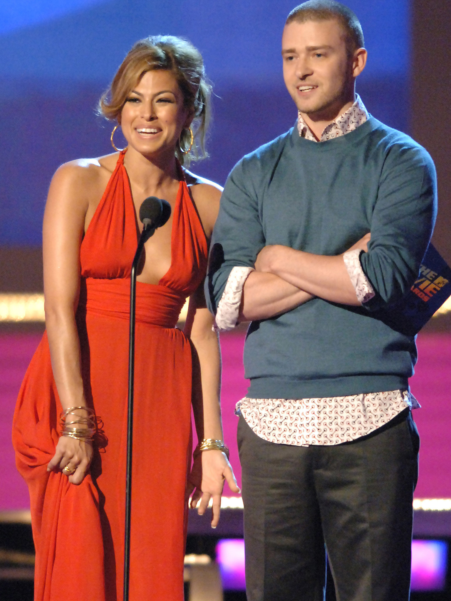 Eva Mendes was in good company with Justin to present the June 2006 MTV Movie Award for best kiss.