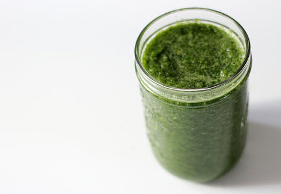 Breakfast: Glowing Green Smoothie