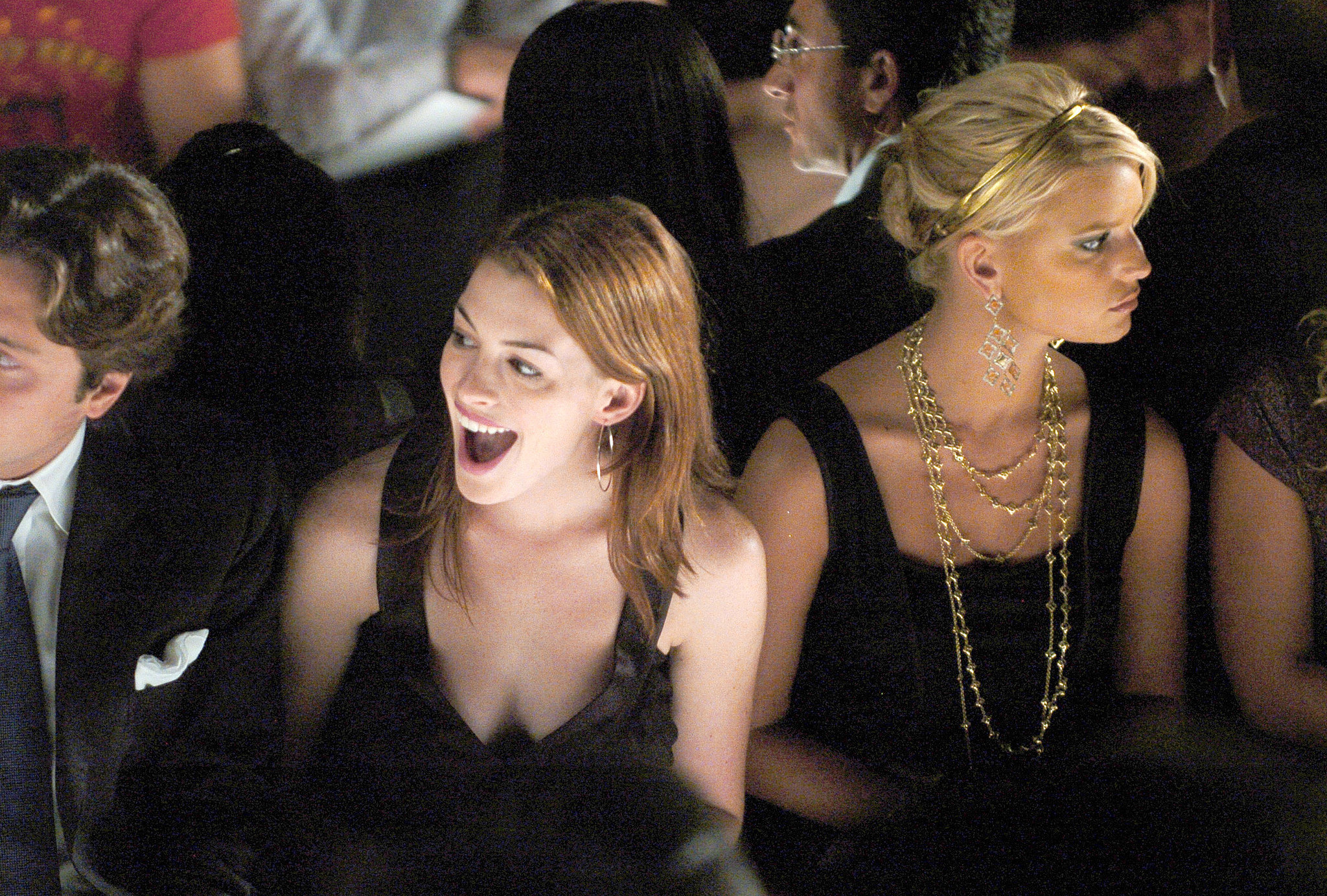 Anne Hathaway and Jessica Simpson had mixed reactions at Luca Luca in NYC back in September 2004.
