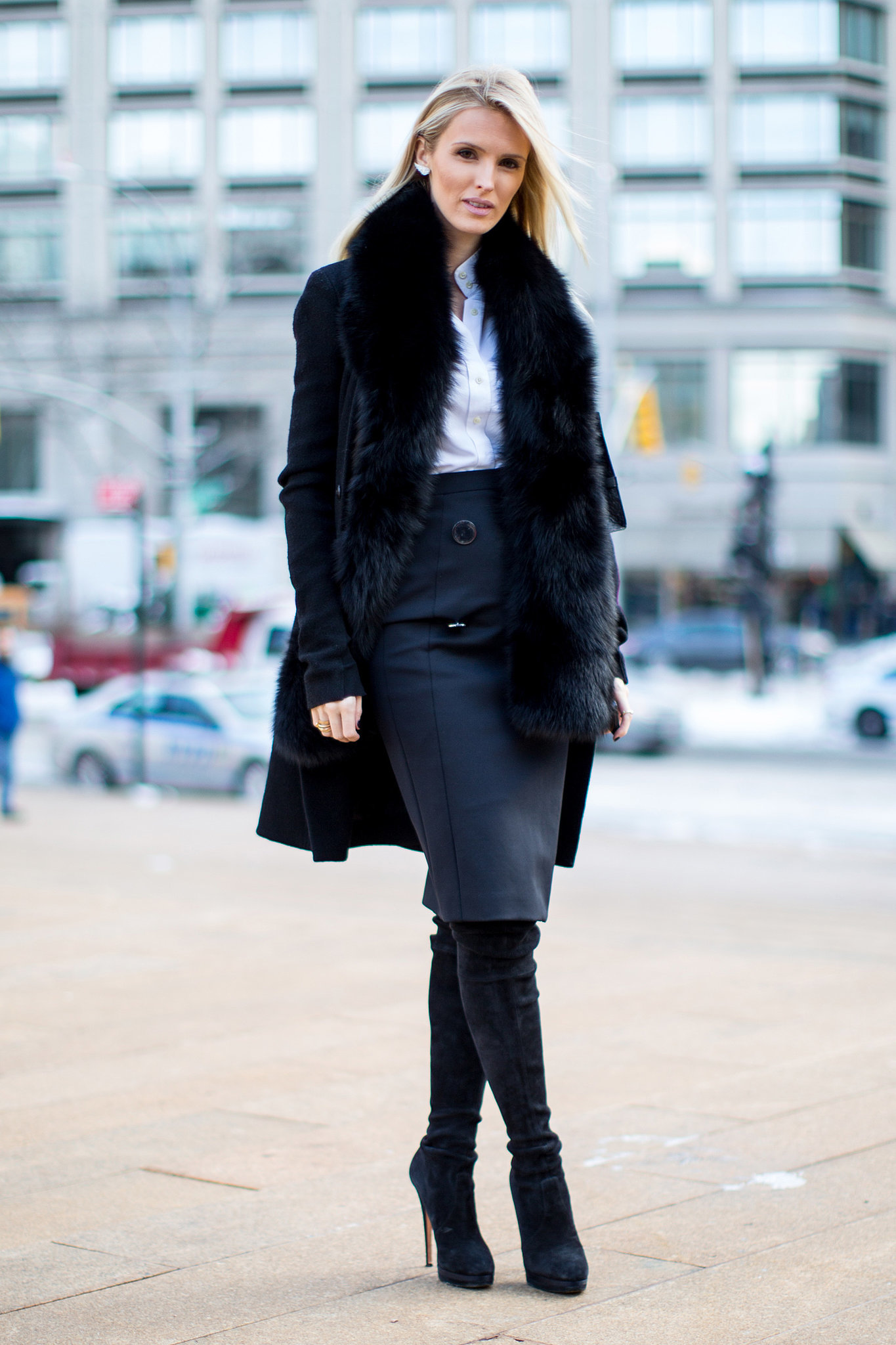 nyfw street style day 1 flashback friday nyfw street style stars trekked through the snow for. Black Bedroom Furniture Sets. Home Design Ideas