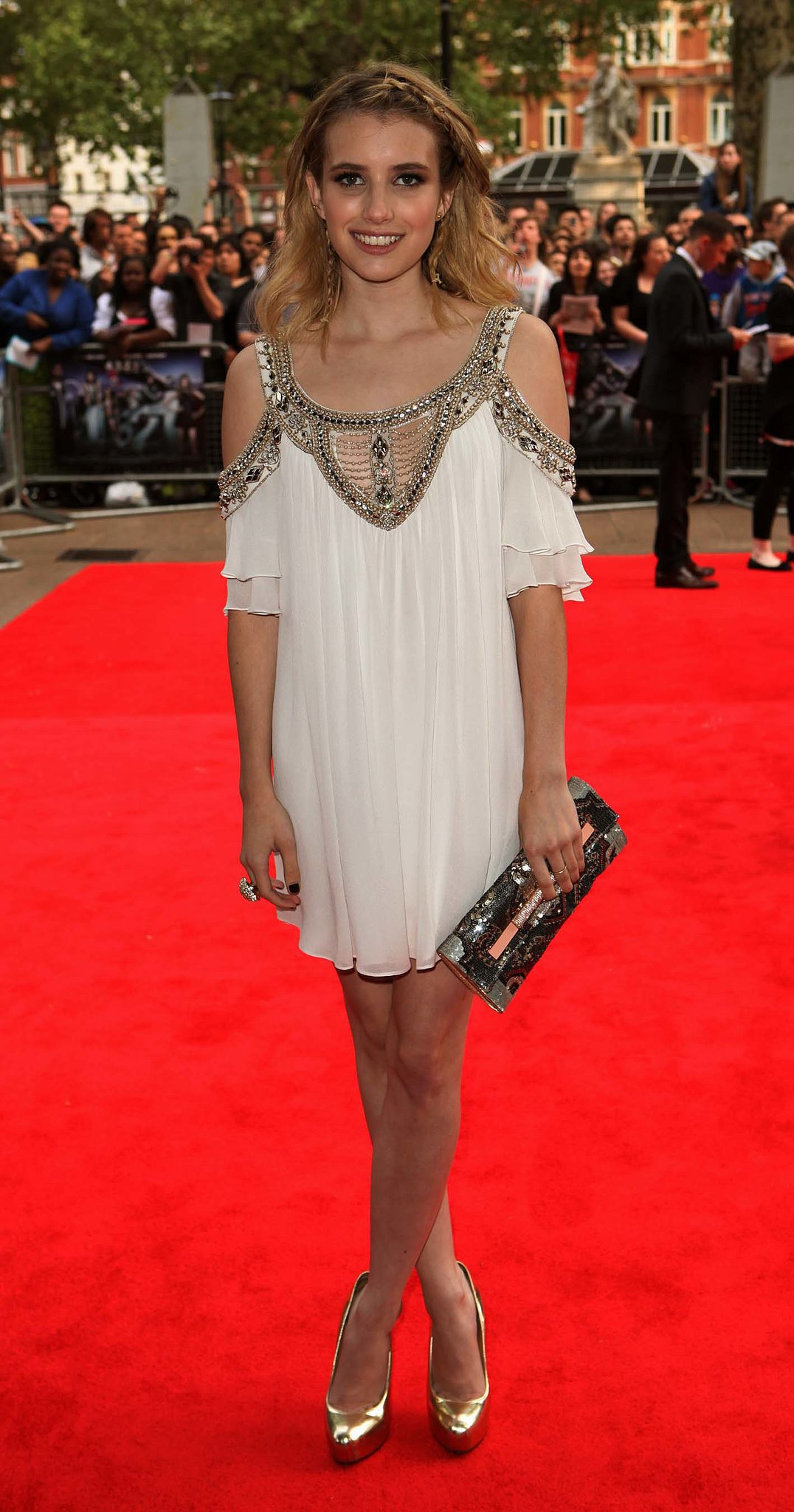 She wore an ethereal Temperley London look, complete with romantic shoulders and hair to match, at the world premiere of Valentine's Day in 2010.