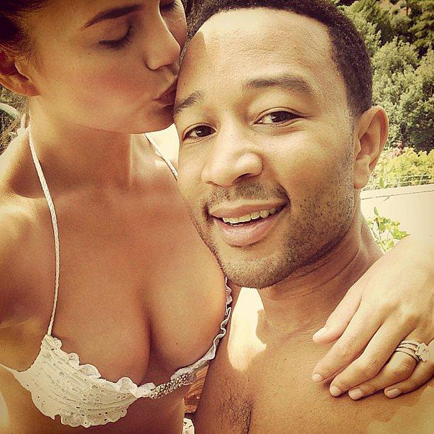 She had that honeymoon glow in her sweet selfie with John Legend. Source: Instagram user chrissyteigen