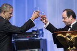 The two leaders toasted during the dinner.