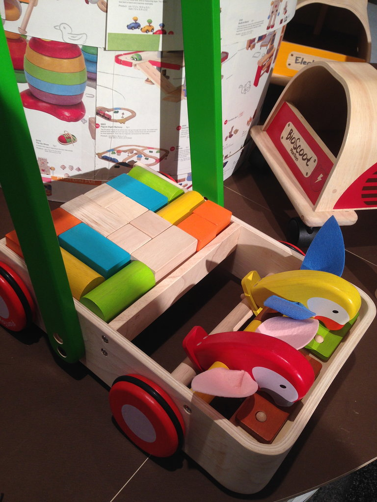 Plan Toys Parrot Walker