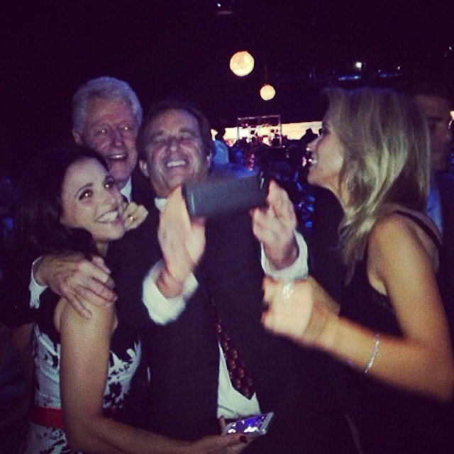 Julia Louis-Dreyfus snapped an amazing selfie with Bill Clinton.