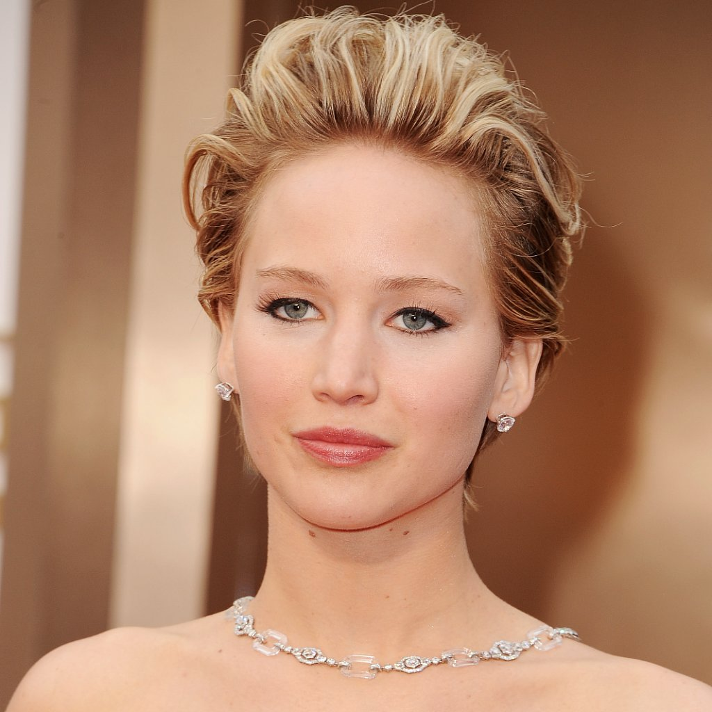 Jennifer Lawrence's Hair and Makeup at Oscars 2014