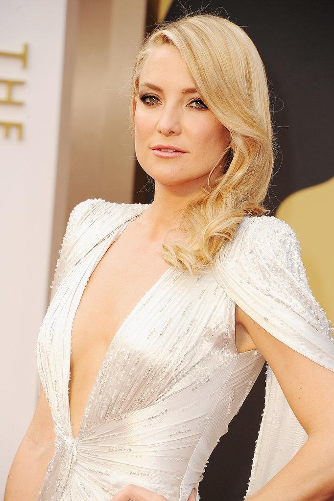 http://media2.onsugar.com/files/2014/03/02/107/n/1922153/82826503e696c719_476214497_10.jpg.xxxlarge/i/Kate-Hudson-2014-Oscars.jpg