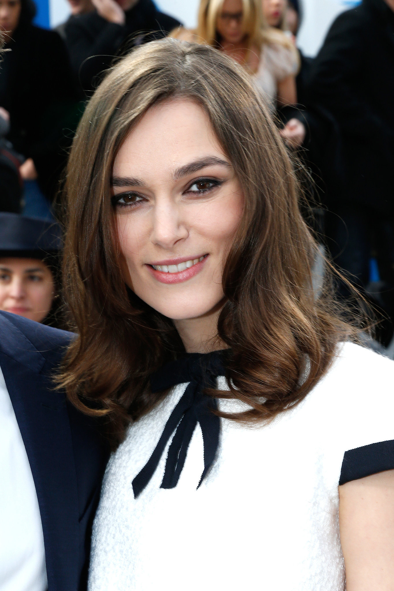 keira knightley at chanel lupita won paris fashion week too plus more front row beauty. Black Bedroom Furniture Sets. Home Design Ideas