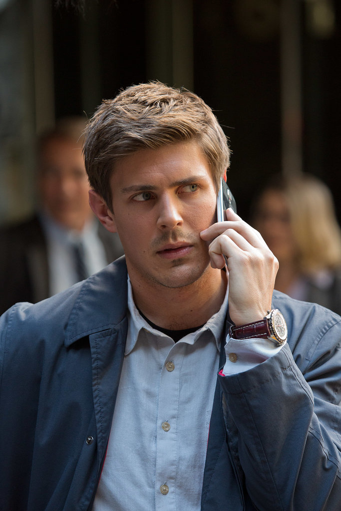 Maybe she's calling her boyfriend, Piz (Chris Lowell).