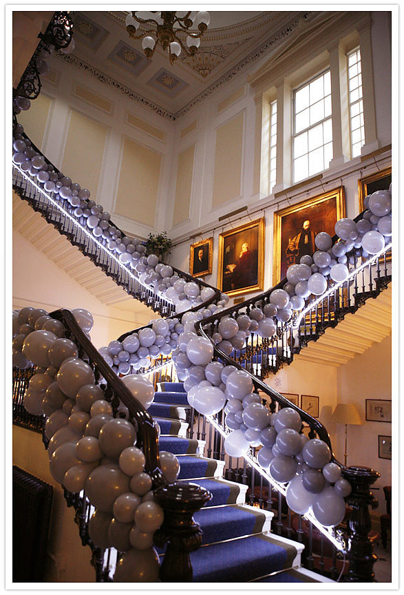 Decorate a Dramatic Staircase