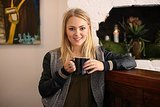 Actress AnnaSophia Robb Orders Apple-Pie Nachos and Buys Ice Cream Three Pints at a Time