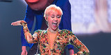 Miley Cyrus Misses Costume Change, Is Forced To Perform In Her Underwear