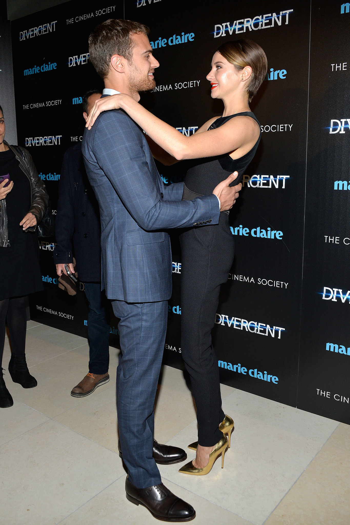 Shailene Woodley and Theo James shared a sweet moment at a screening