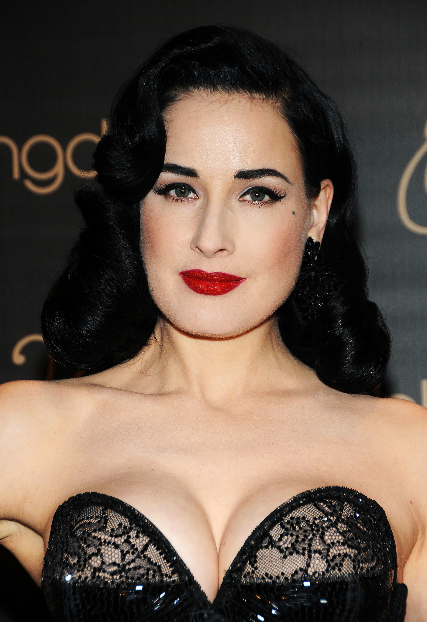 dita von teese pregnancy is seriously agreeing with scarlett