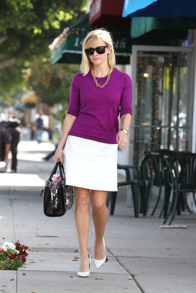 Reese Witherspoon in White Skirt and White Pumps