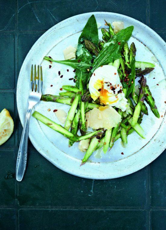 Meat Free Week: Bill Granger's Asparagus & Poached Egg Salad