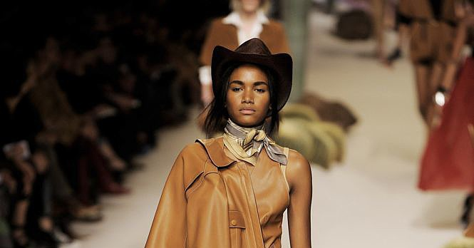 Paris Fashion Week: Hermés Spring 2009