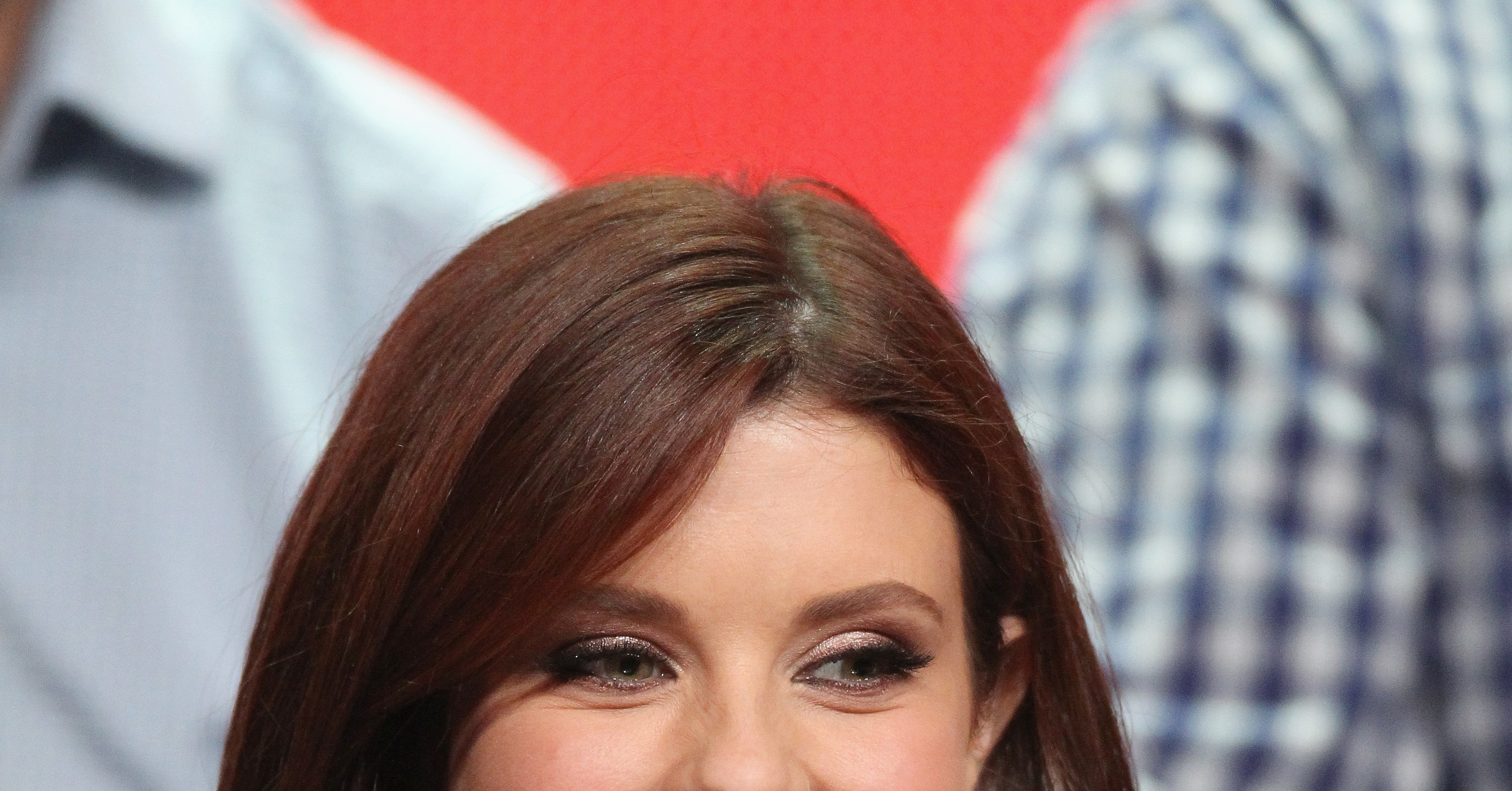 Joanna-Garcia-plays-former-flame-who-family-owns-animal.jpg