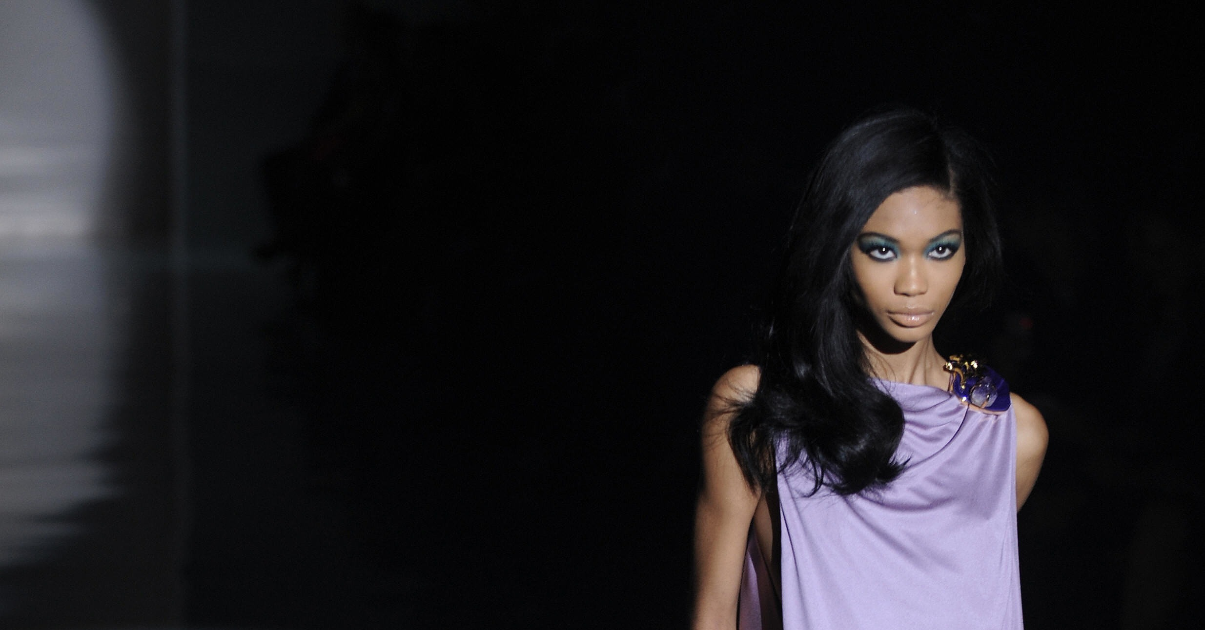 Chanel Iman Brings Black Back at Gucci Spring 2009