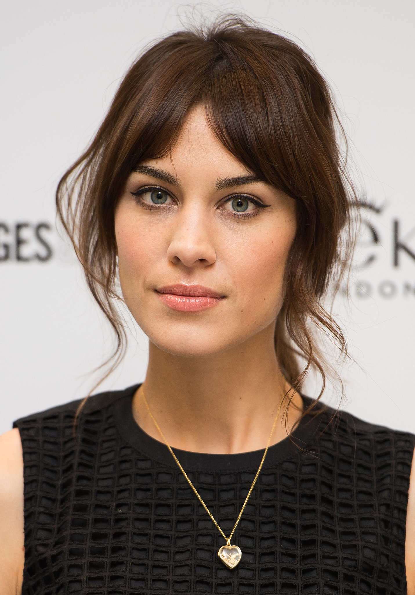Hairstyles For Long Hair Growing Out Bangs : Your Ultimate Guide to How to Grow Out Bangs Gracefully