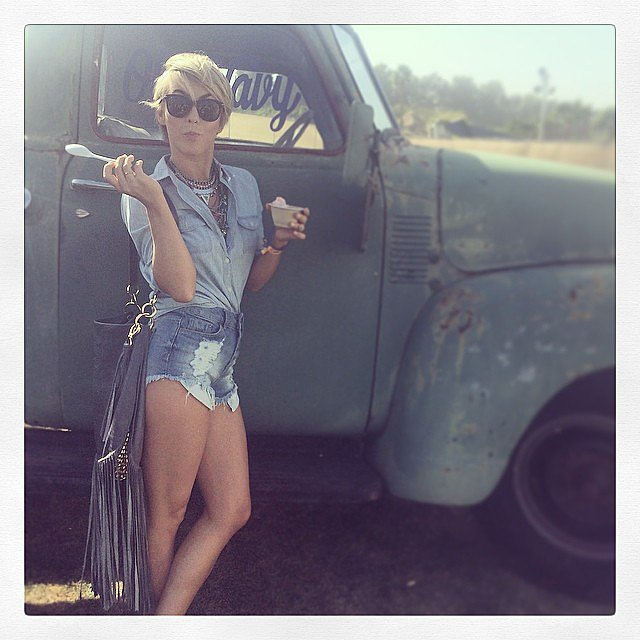 Julianne Hough snacked on a cool treat. Source: Instagram user juleshough