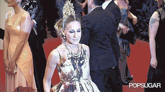 Jennifer Lawrence Photobombing Sarah Jessica Parker