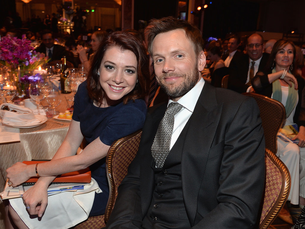 On Friday, Joel McHale and Alyson Hannigan chatted at the Taste For a Cure gala in LA.