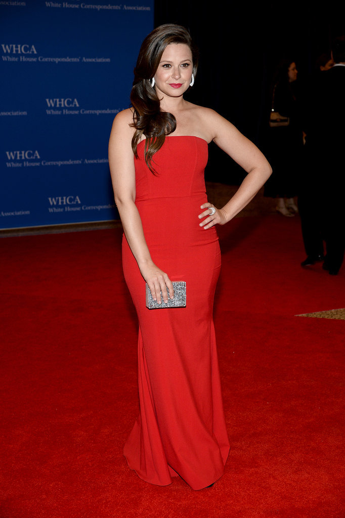 Katie Lowes wore a strapless red dress.