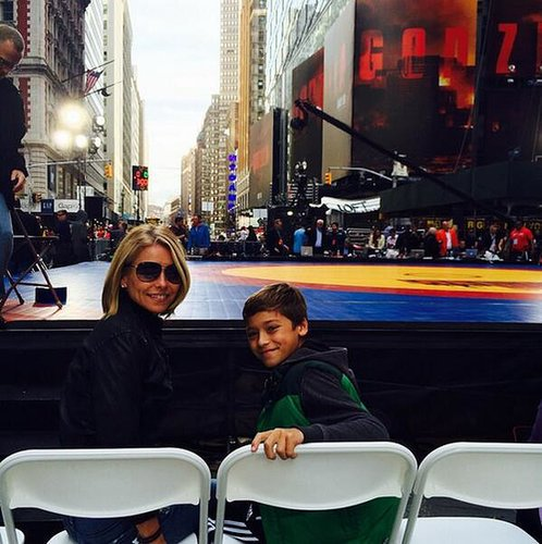 Kelly Ripa and Joaquin Consuelos got a front-row seat at a wrestling match in Times Square. Source: Twitter user MarkConsuelos