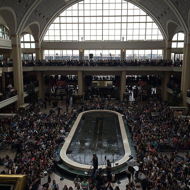 Hello Cleveland! #tfiostour #tfiosoh it's almost time! Source: Instagram user POPSUGAR