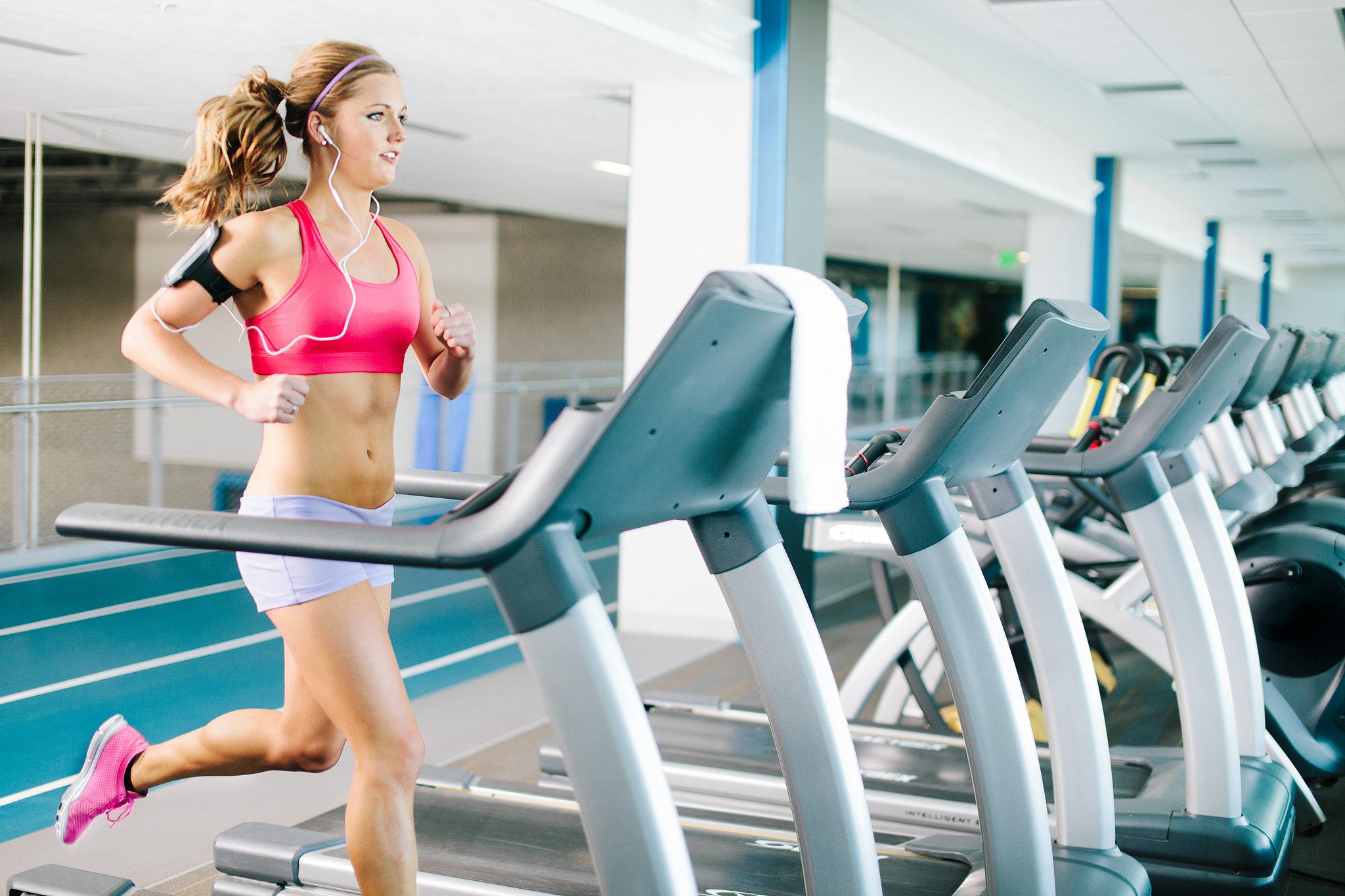 bikini prep: quick cardio shred with arm workout