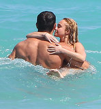 Hayden Panettiere and her fiancé, boxer Wladimir Klitschko, showed sweet PDA in the ocean while at the beach in Miami back in April 2013.
