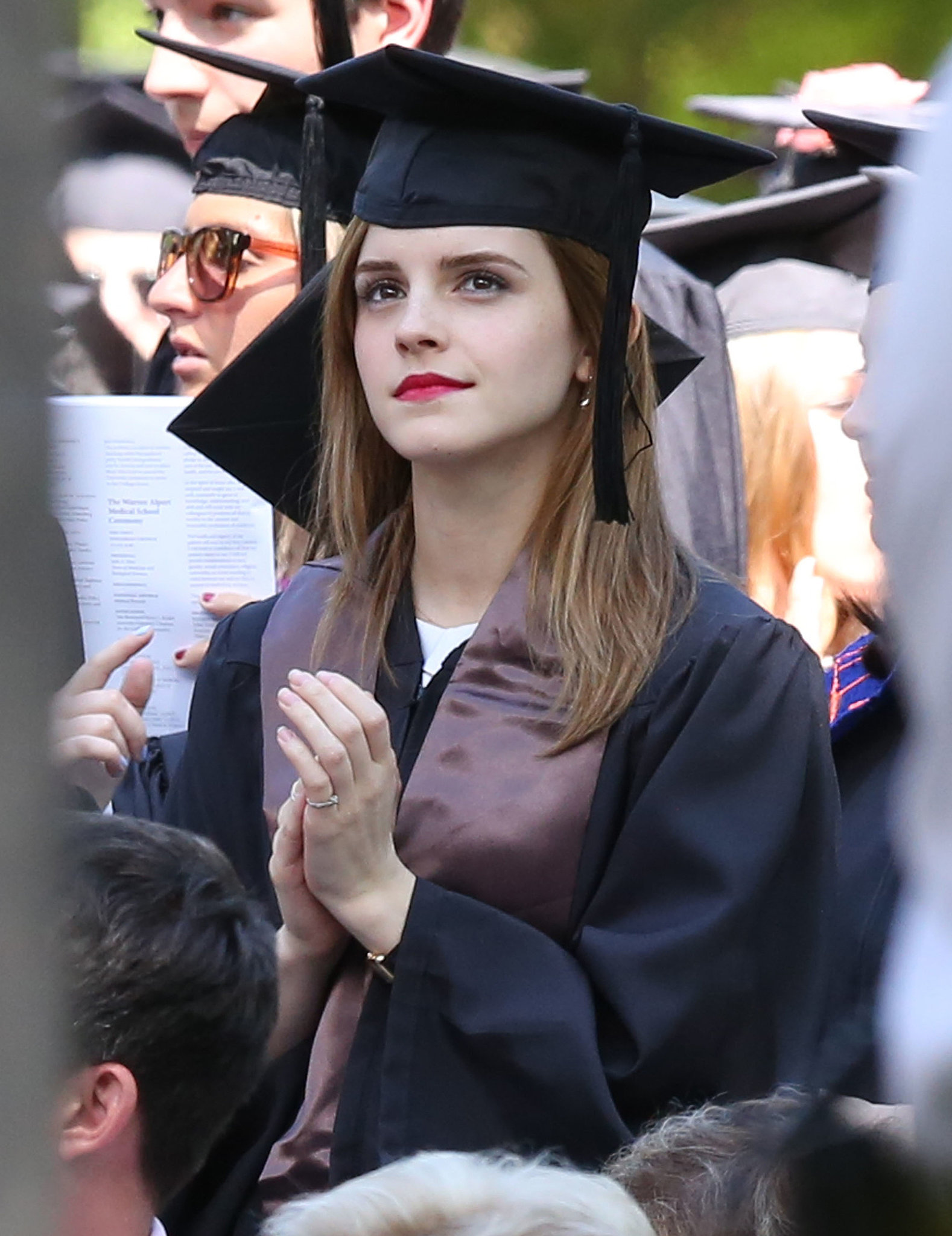 Emma watson graduates from brown university popsugar for Porno xxx en la oficina