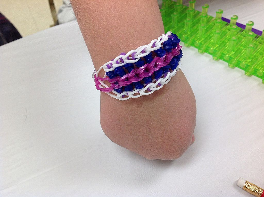 How Our Kids Make Friendship Bracelets