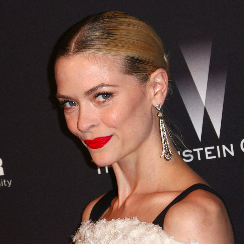 Jaime King's Summer Hair and Makeup Tips