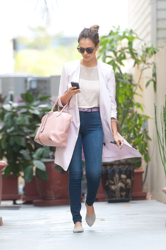 Jessica Alba Carrying Light Pink Louis Vuitton Bag