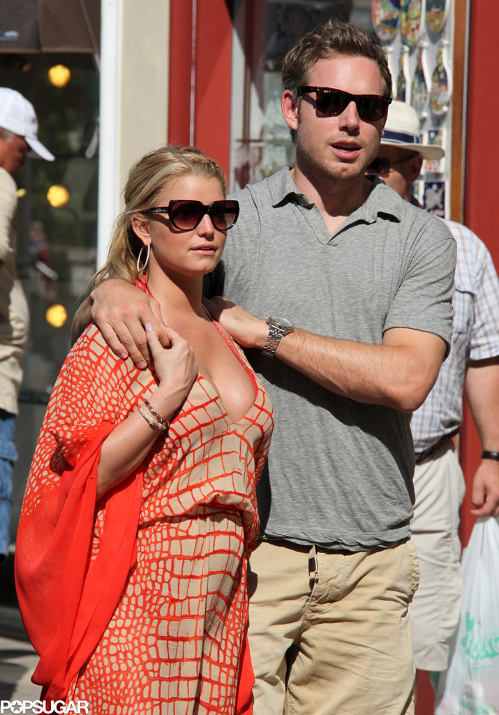 Jessica wore a bold printed maxi dress while she and Eric took a stroll in Capri in July 2010.