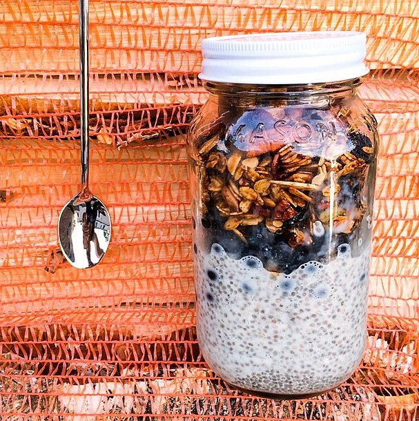 Homemade granola adds the perfect crunch to a rich and smooth bowl of chia seed pudding. Storing your pudding in a jar also makes it an easy breakfast to take on the go! Source: Instagram user veganhotdogs
