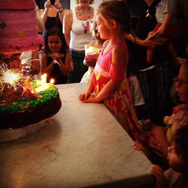 For her daughter Birdie Leigh's fourth birthday, Busy Phillipps baked and decorated the cake herself.  Source: Instagram user busyphilipps