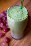 Spinach, Grape, and Strawberry Smoothie