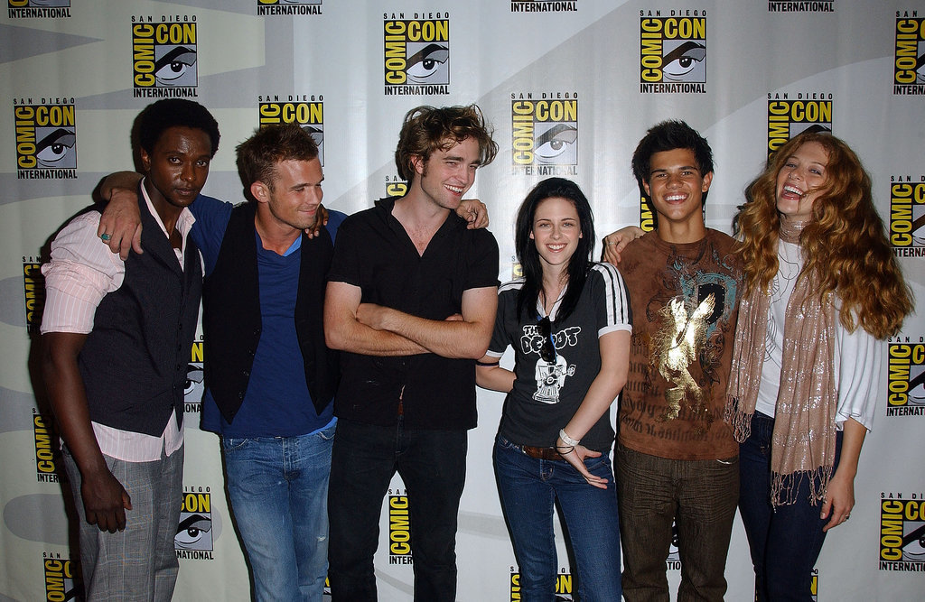 The Twilight cast shared a laugh at a panel for the film at the 2008 convention.