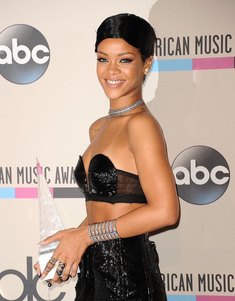 Rihanna = Robyn Rihanna Fenty