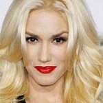 Gwen Stefani shares beautiful breastfeeding photo