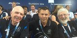 Prince Harry Photobombs New Zealanders At Commonwealth Games