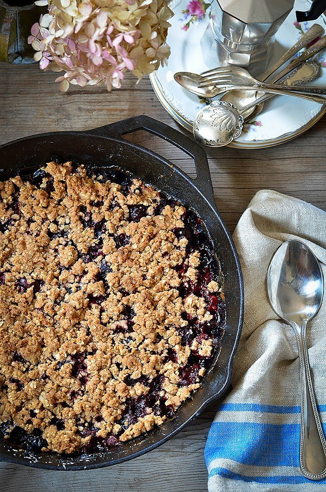 Cherry Skillet Crumble
