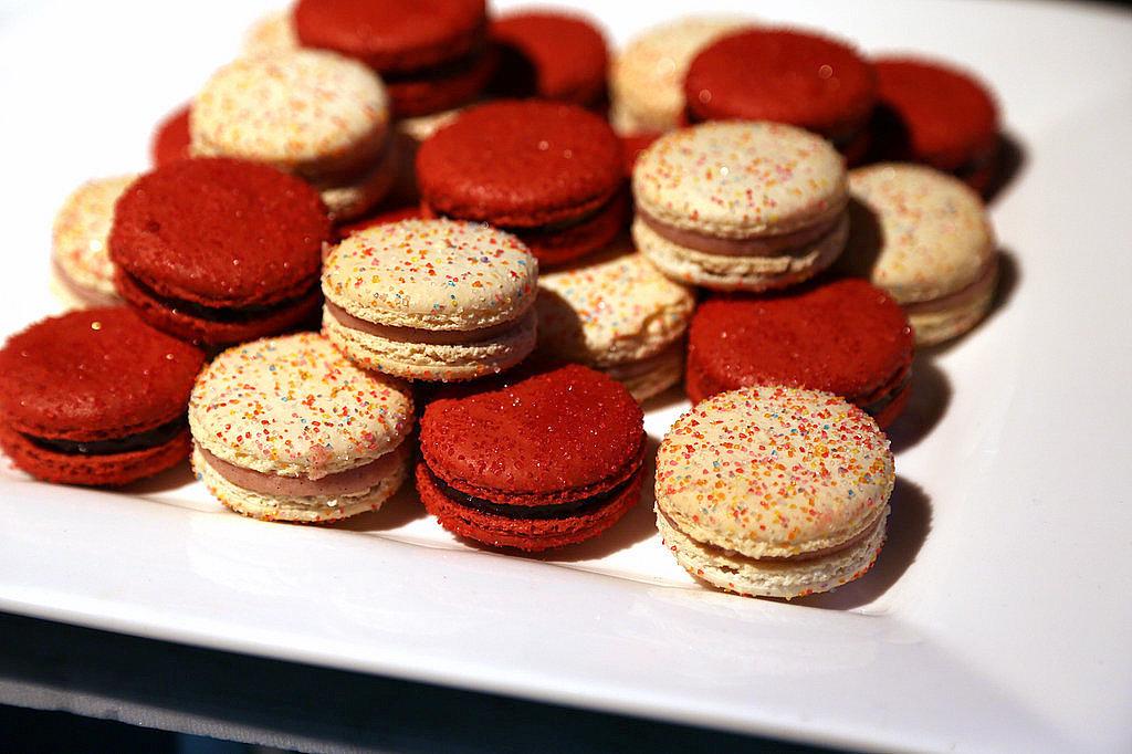 Bubblegum Macarons
