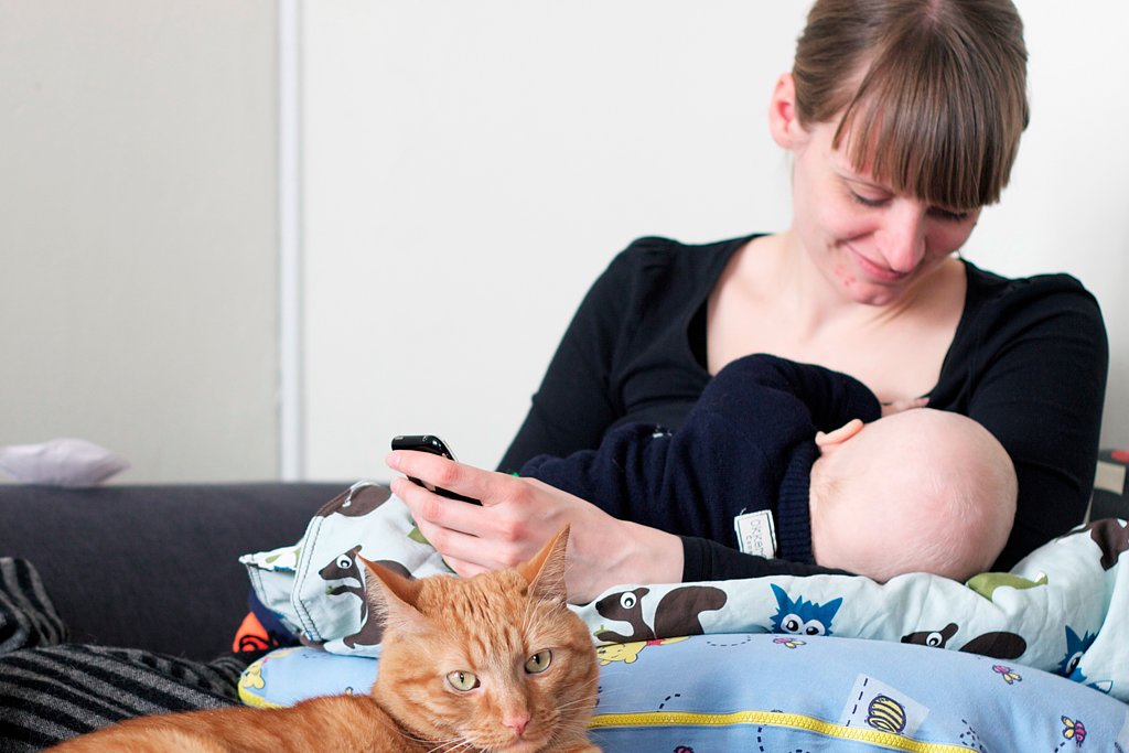 7 Supportive Apps For Breastfeeding Mamas