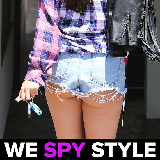 We Spy Selena Gomez Butt Cleavage 8.12   Video
