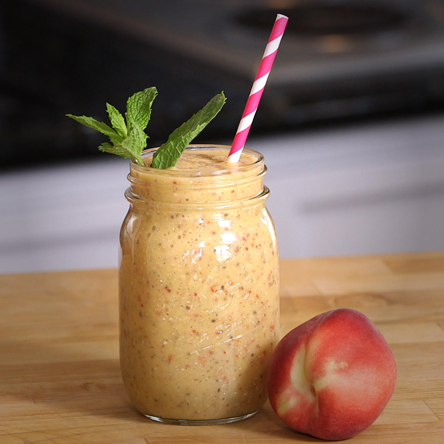 Vegan Peaches and Cream Smoothie Will Quench Your Ice Cream Cravings