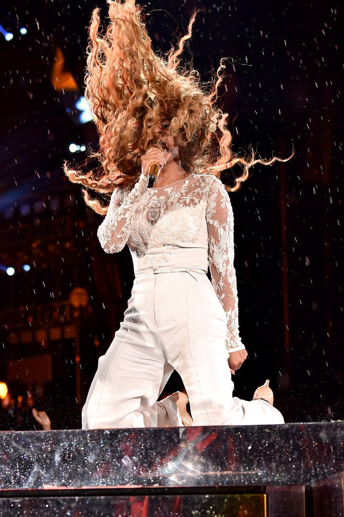 Beyoncé's On the Run Tour Hair Flips Are Flawless (of Course)